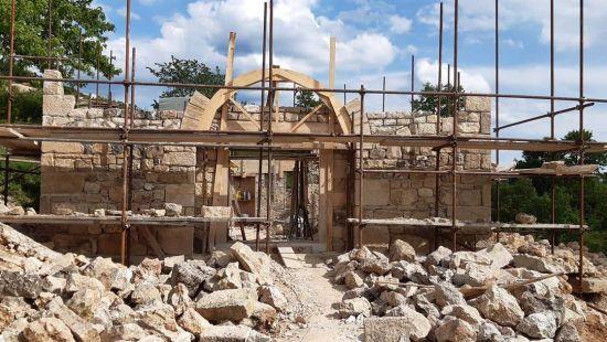 Obnavlja se stara kamena džamija na Kleku kod Prozora