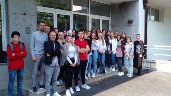 Učenici iz Žepča u posjeti Vakufskoj direkciji