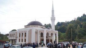 Muftija zenički predvodio prvu džumu u novoizgrađenoj džamiji u Stipovićima, Medžlis IZ Zavidovići