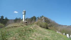 Munara bez džamije pod starim gradom nad Vrbasom